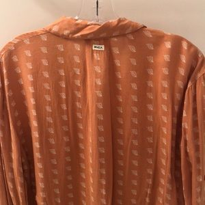 RVCA Tops - RVCA Orange Women's Button-Up Long Sleeve Shirt 🍊